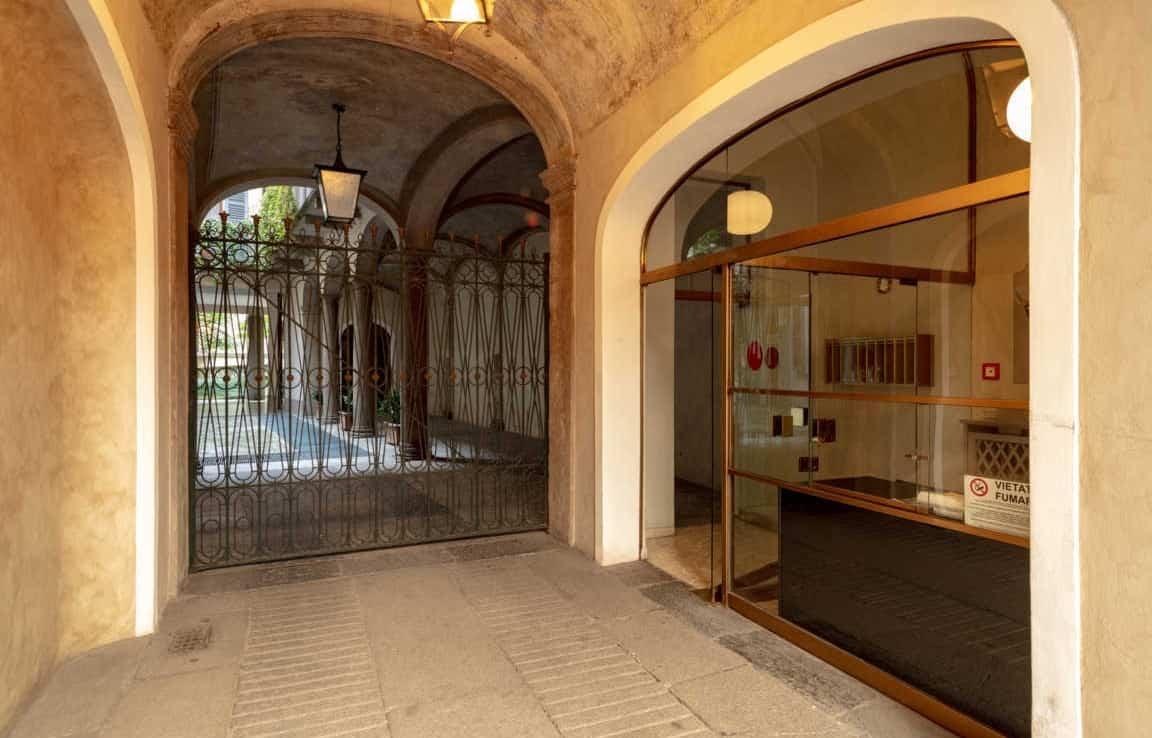 Vista su portineria e cortile interno Ufficio via Morigi, 7 - Milano | COGERAM